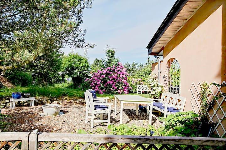 Smukt sommerhus i nord nær strand på 114 m2