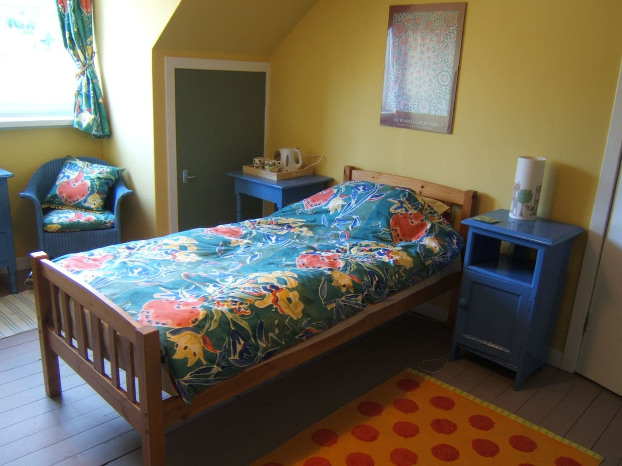Both beds have memory foam mattress toppers making them extra comfy!
