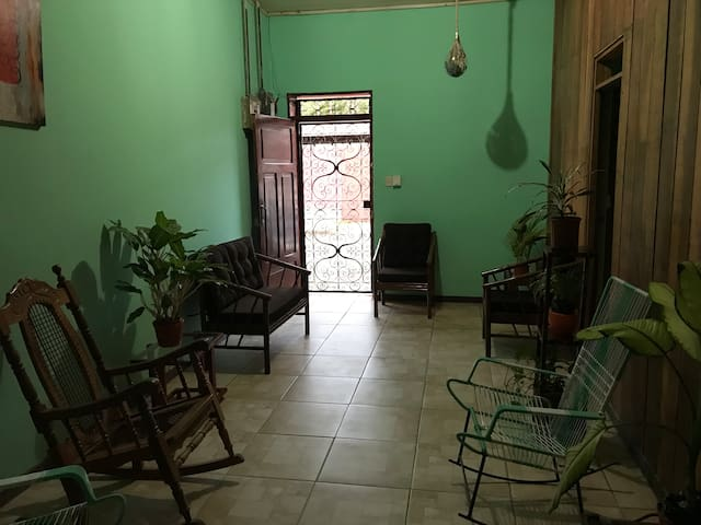 Spacious 3 BR house 1 min walk to central park