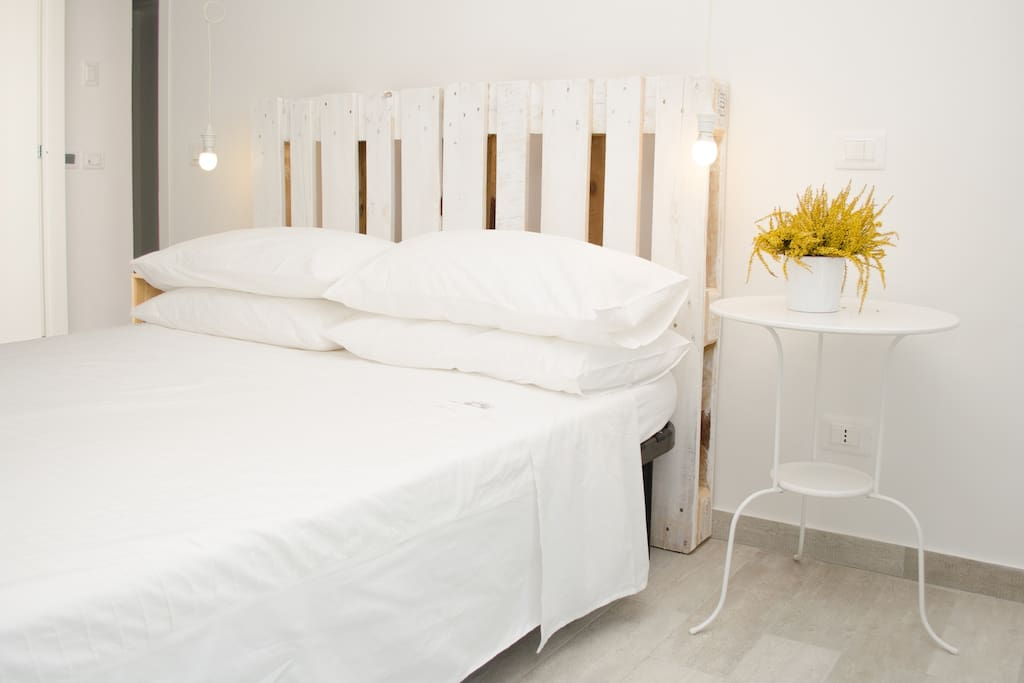 Appartamento Ginepro: Il letto matrimoniale