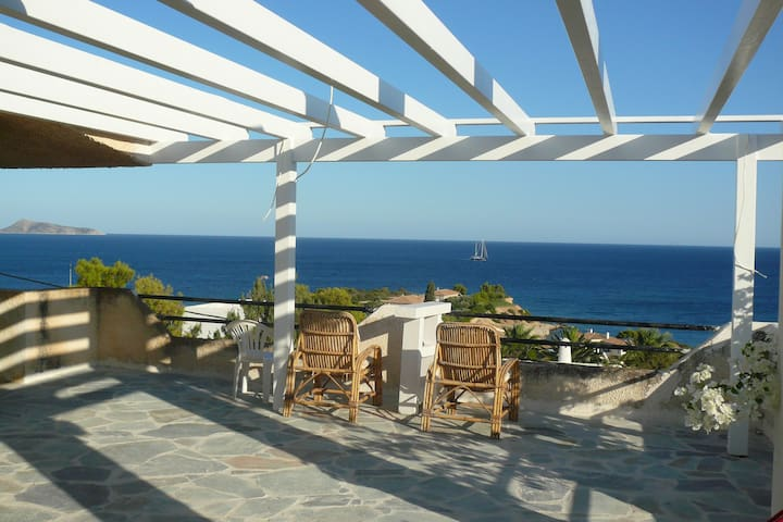 Greek Summer Home - Kosta - House