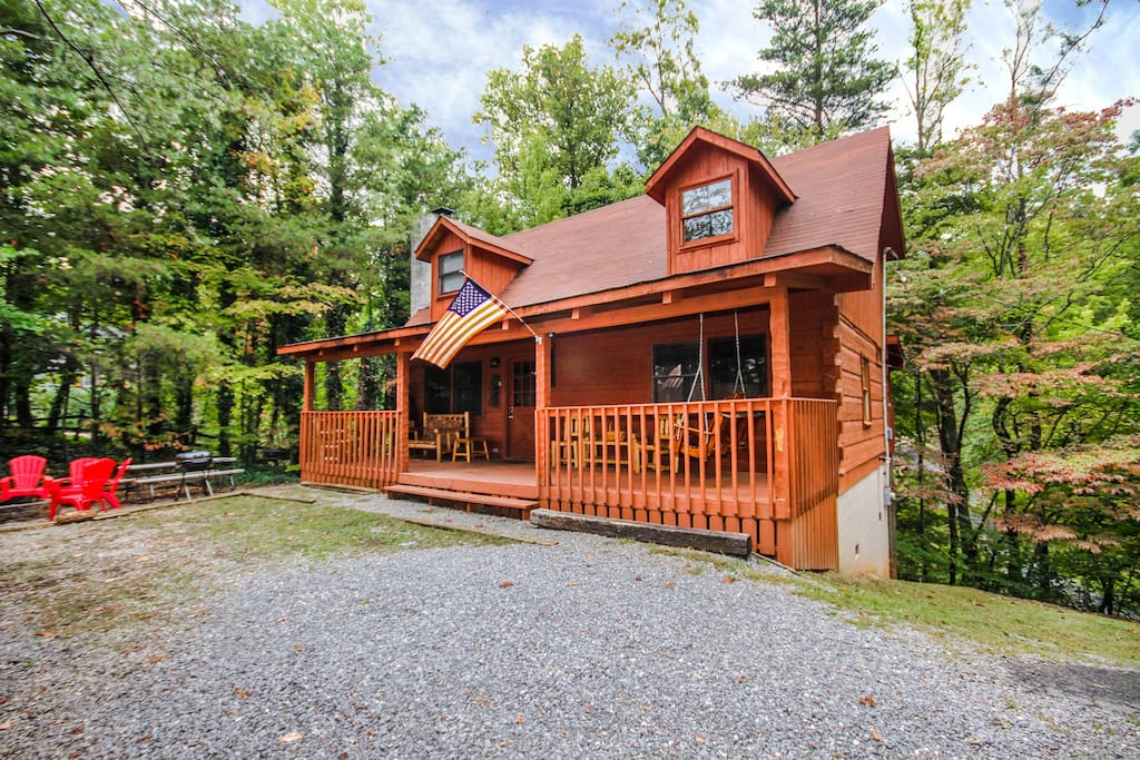 smoky 39 s cabin fever cabins for rent in gatlinburg