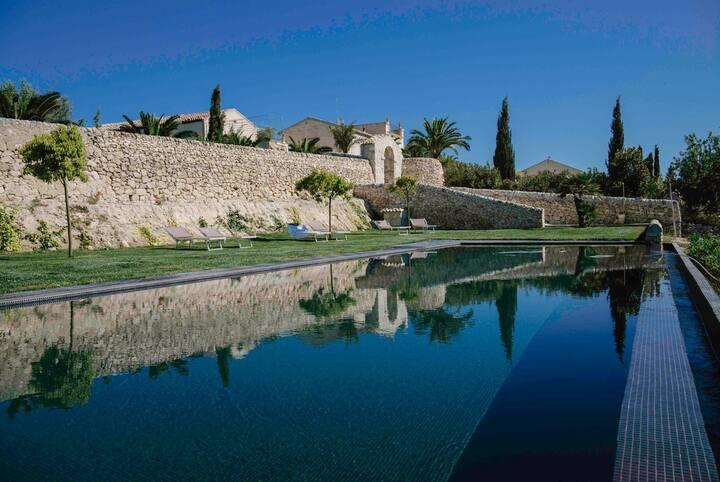 Casa Canonica - Idyllic Sicilian Villa