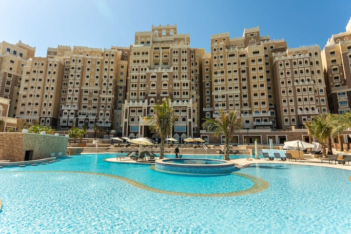Palm Jumeirah, beachfront apartment