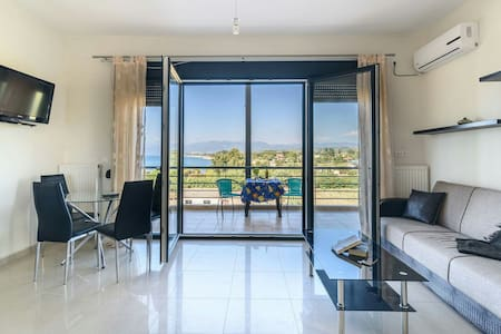 Kyparisia on the beach apartment - Kyparissia