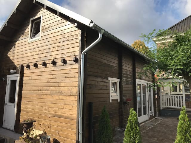 Knusse, fijne en moderne houten blokhut