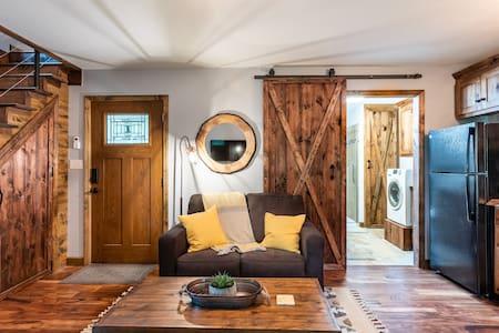 Cozy Cabin Retreat on Sacred Land