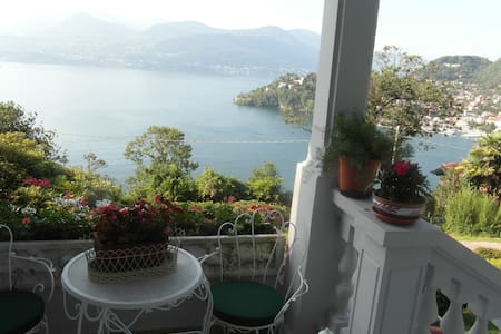 Lake view villa  with swimming pool - Laveno-Mombello - Villa