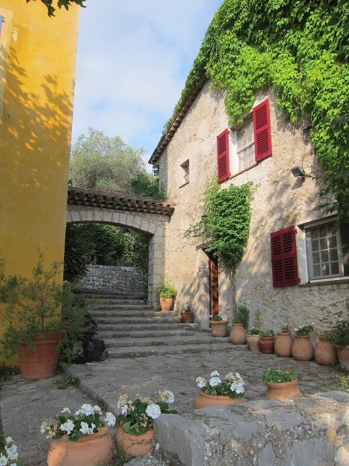 Charming room near Grasse