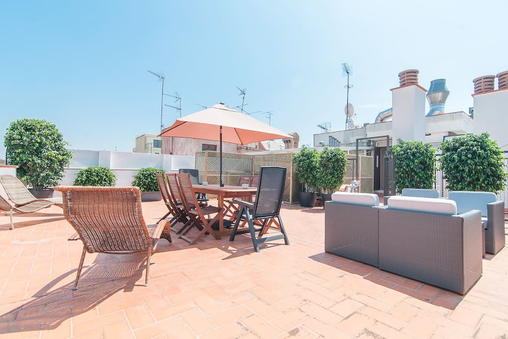 Roof terrace with amazing views!