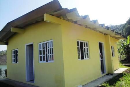 Gaspar - 2 quartos - Casa no sítio - Gaspar