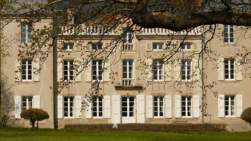 château de la bousquetarie - Lempaut - Bed & Breakfast