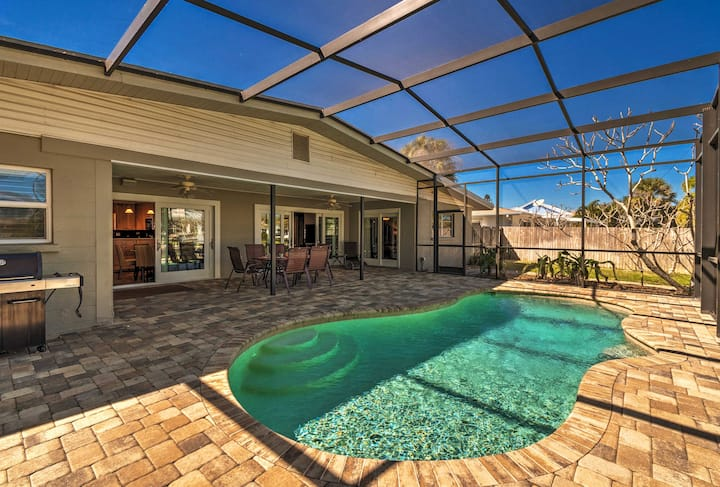 Canalfront Siesta Key Home w/ Heated Pool+Privacy!