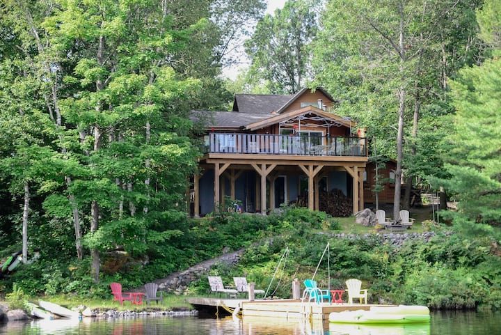 One bedroom lake front cottage in Muskoka