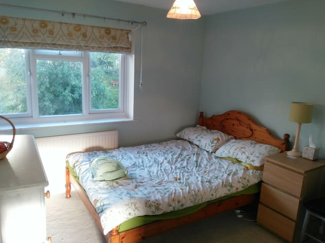 Chatham/Brompton Double-Bed Room