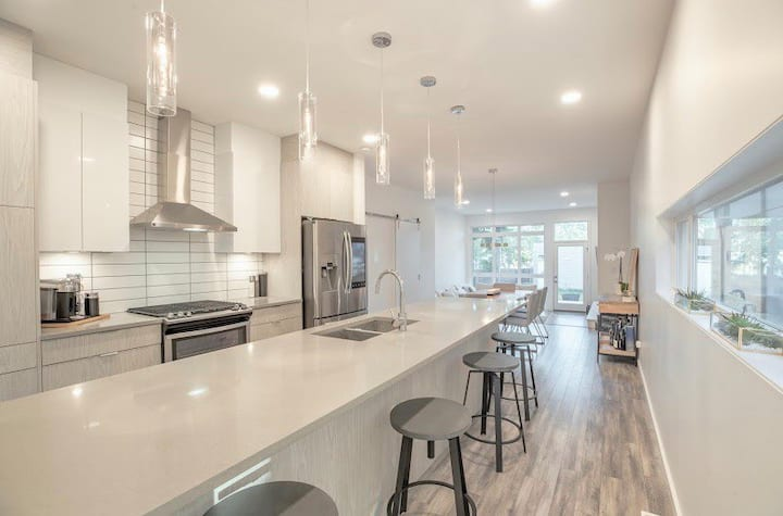Modern Home in the Heart of YEG