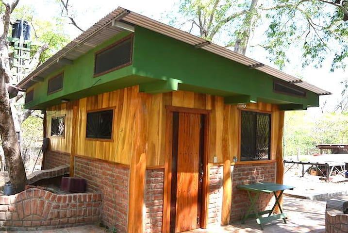 Dale's Little House