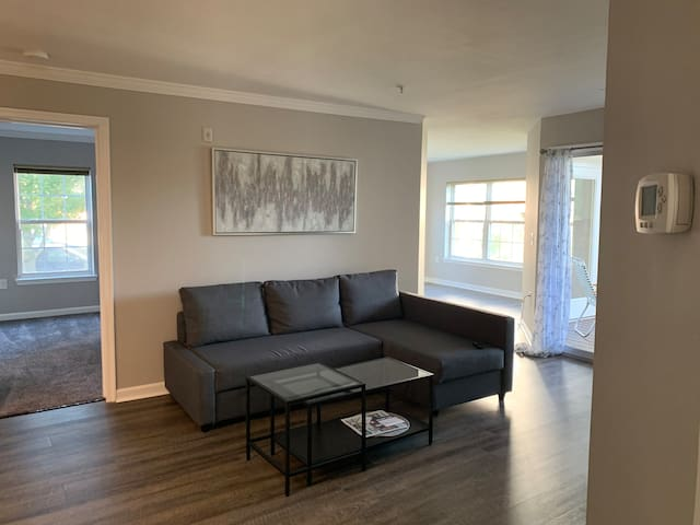 Beautiful spacious Condo in Greenbelt, close to DC