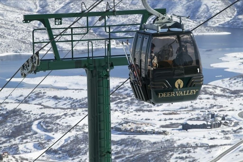 The Jordanelle from the Deer Valley Gondola - 5 minutes away!!! (See The Lodge at the Lower Right)
