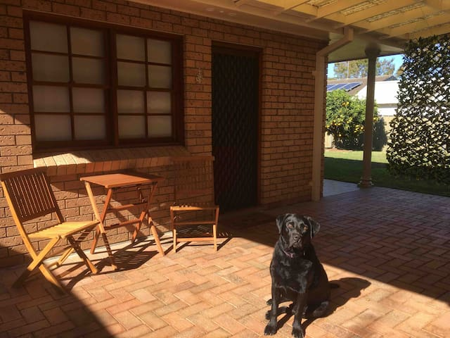 Quiet Granny Flat, centrally located