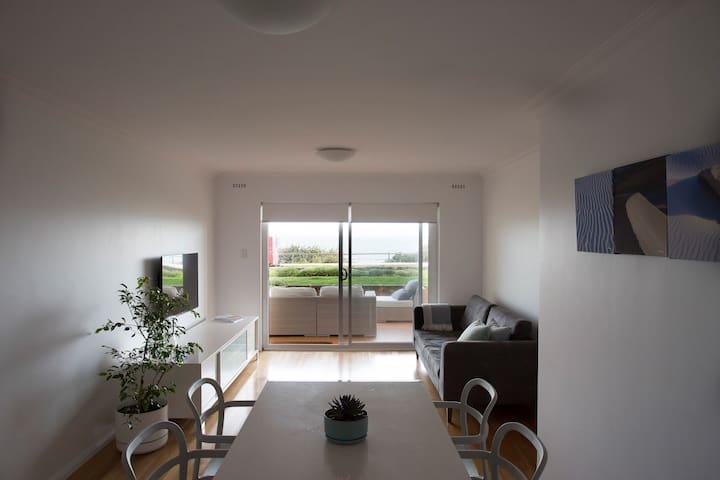 Beachfront Apartment Cottesloe