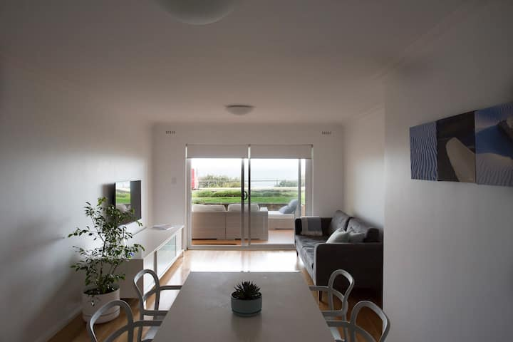 Beachfront Apartment Cottesloe