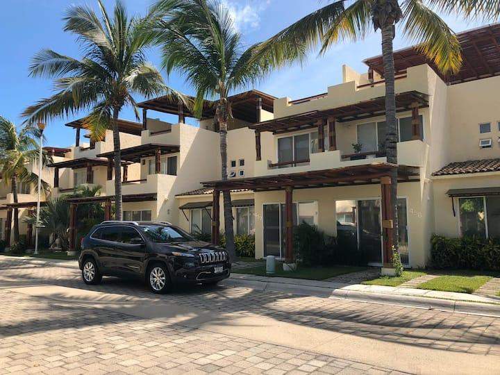 Hermosa Villa Residencial en zona Diamante