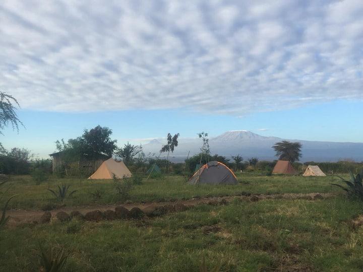 WE4Kenya Ready Camping Tent = Low Budget Amboseli