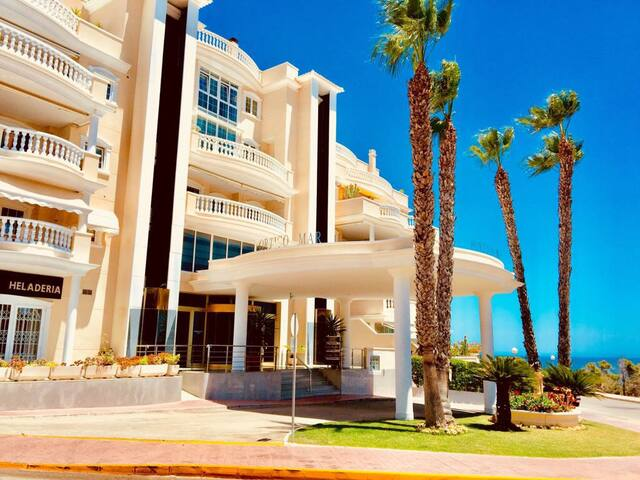 Alicante Portico Mar luxury apartment beach&pool