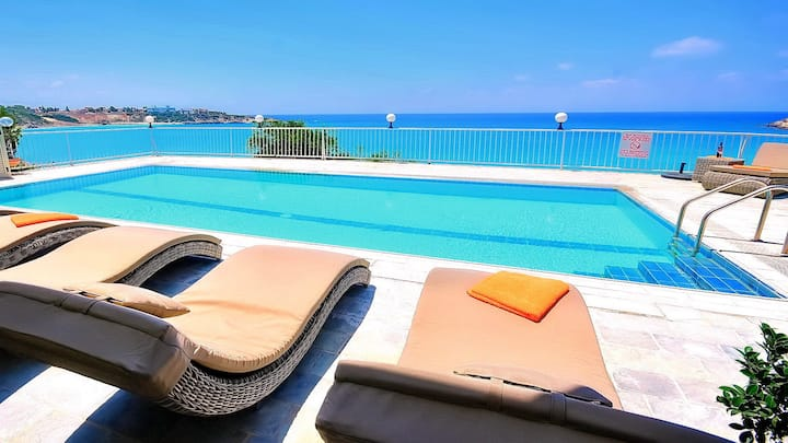 Beach Villa Hosting up to 14 Guests in Superior Luxury