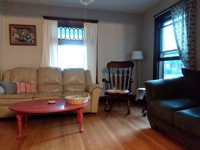 Sunny Water Hill Apartment
