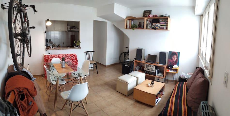 Casa en PB, La Plata. Barrio Norte, muy tranquilo.
