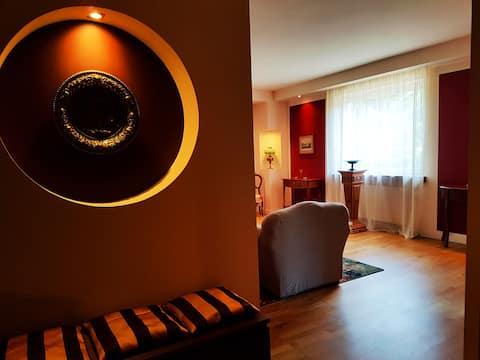 Ekskluzywny apartament w domu otoczonym zielenią