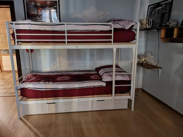 chambre dans 3 pièces  à yverdon