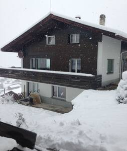 Charmantes Chalet in Grächen (6 Personen) - Apartment