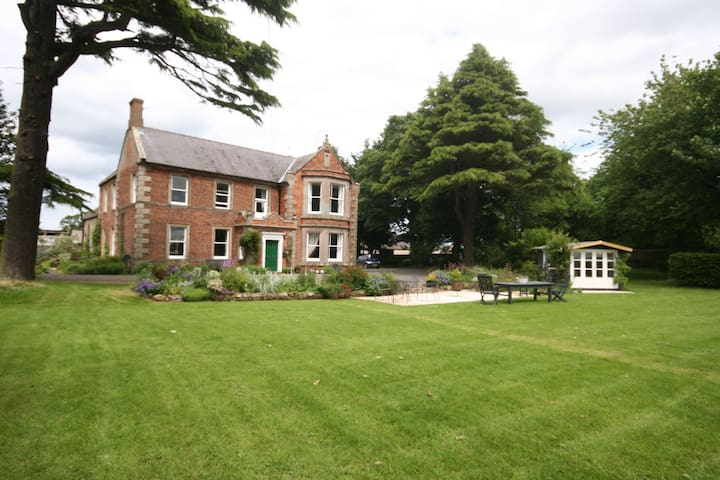 Grade ll listed Georgian Farmhouse - Berwick upon Tweed