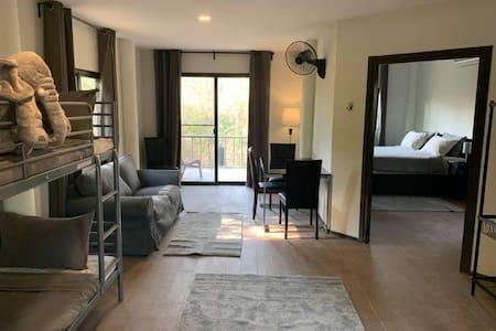 The I-Love-Phants Lodge bungalow
