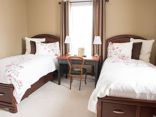 Second Bedroom with Twin Beds at Piper's Getaway