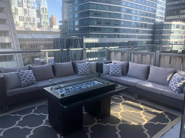 Luxury 1 bed with Views, Private Terrace