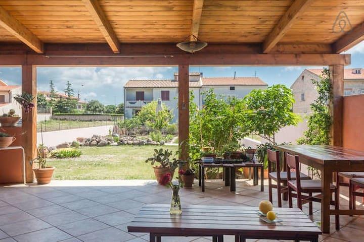 Una casa en la isla continente