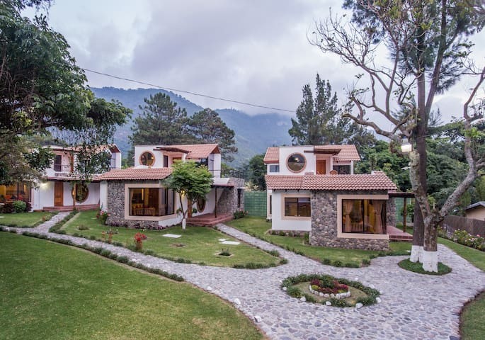 VILLA JUCANYA 6,  Lago de Atitlan