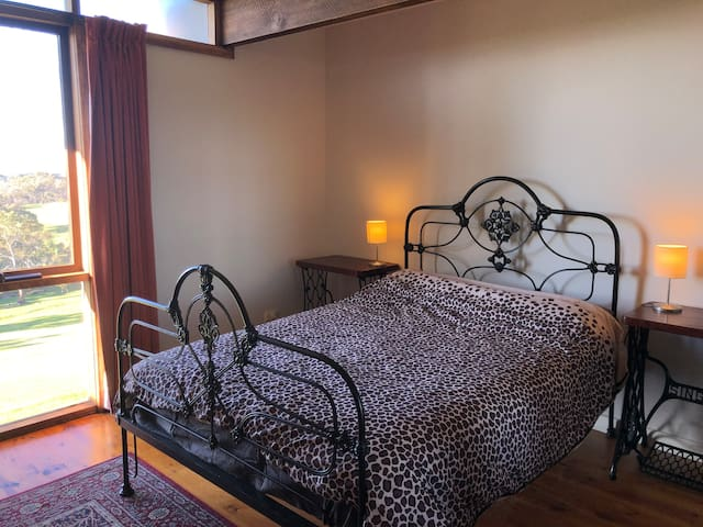 Great room with views over Ararat and Langi Ghiran