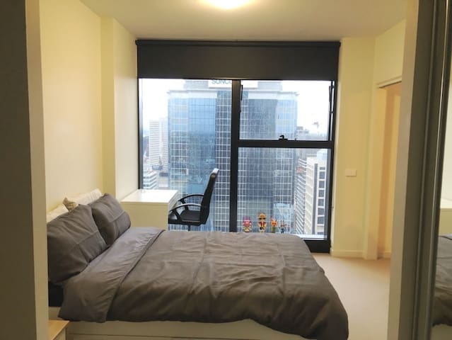 Very Clean Master room with city view(level 44)