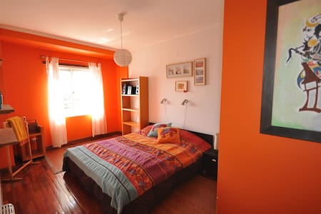 Double and children's bedroom - Porto - Bed & Breakfast