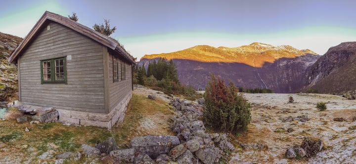 Relling Cabin