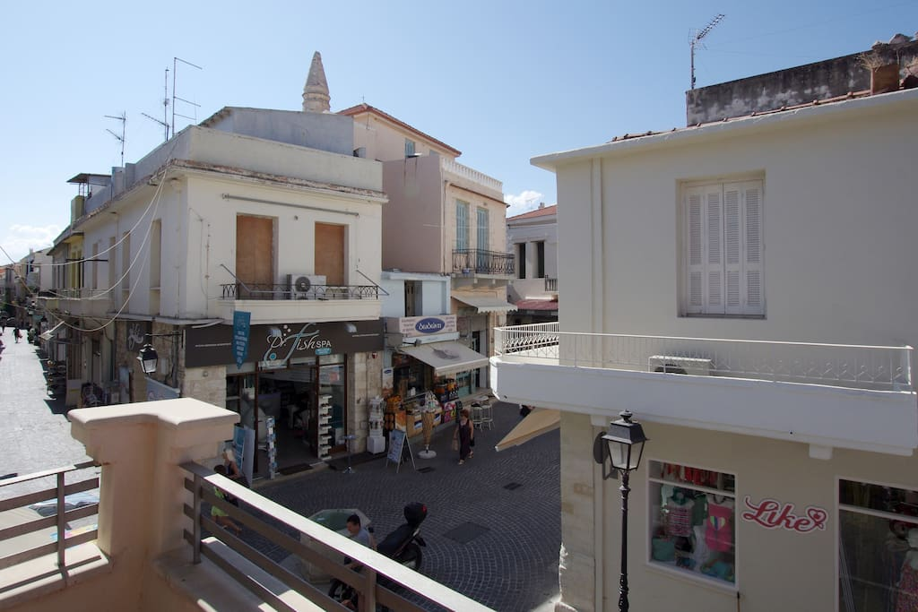 The appartment is located in the heart of old town of Rethymno