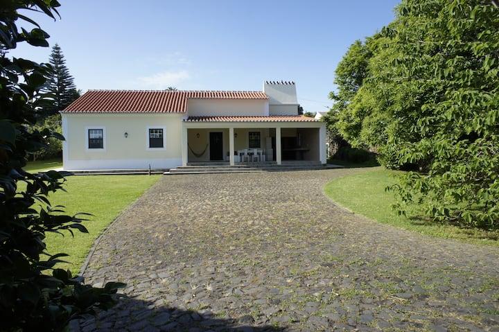 """Casa de Férias,  """"Sentir Bem""""  Terceira Açores"""