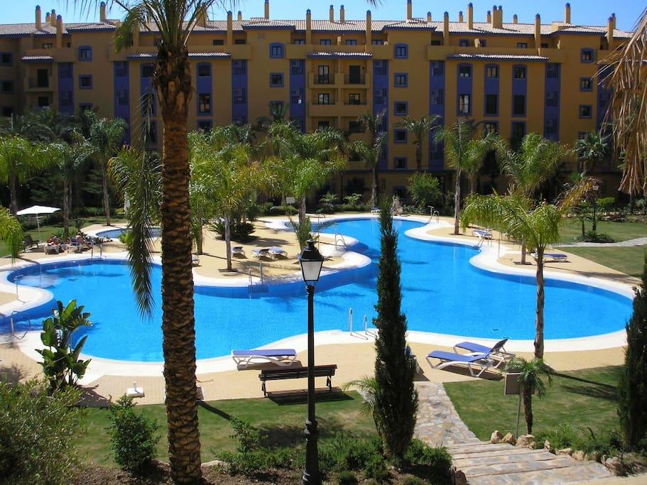 San pedro beach apartment apartamentos en alquiler en san pedro de alc ntara andaluc a espa a - Apartamentos en san pedro de alcantara ...