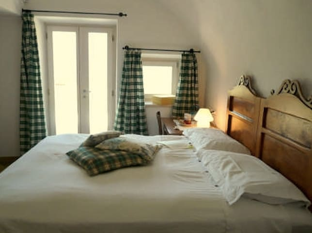 B & B AI CASAI - Mezzolago - Bed & Breakfast