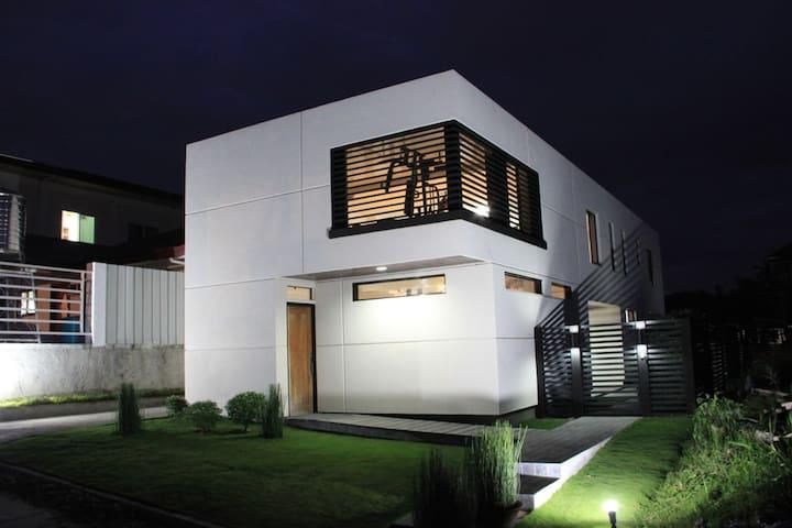 Modern Minimalist House Near SM,Samal&Airport
